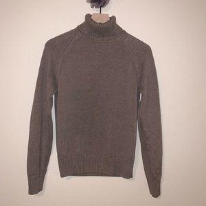 Jeanne Pierre brown sweater